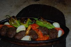 We cook the most delicious stews stone ovens worthy of your mouth.